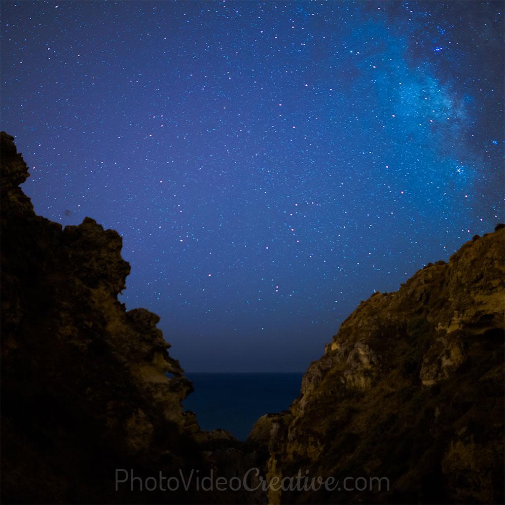 Ciel nocturne étoilé en pose longue