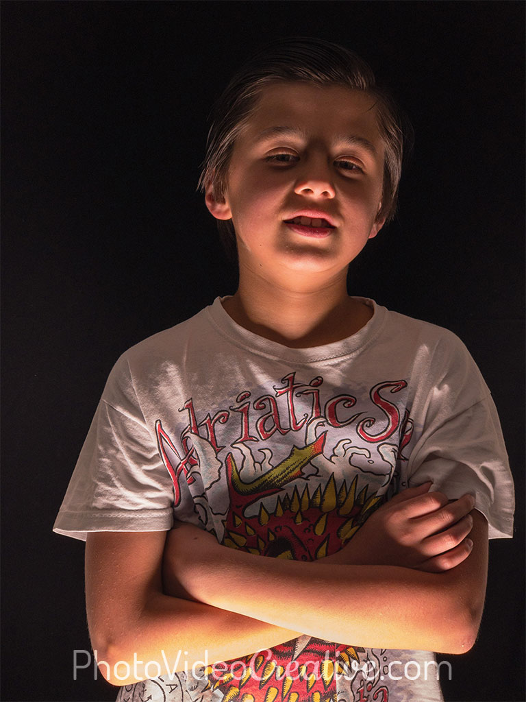 Upward light: photo portrait with lighting from the bottom